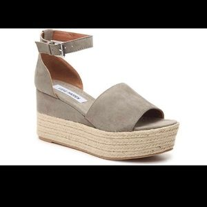 Size 8 Steve Madden Apolo Espadrille Wedge Grey
